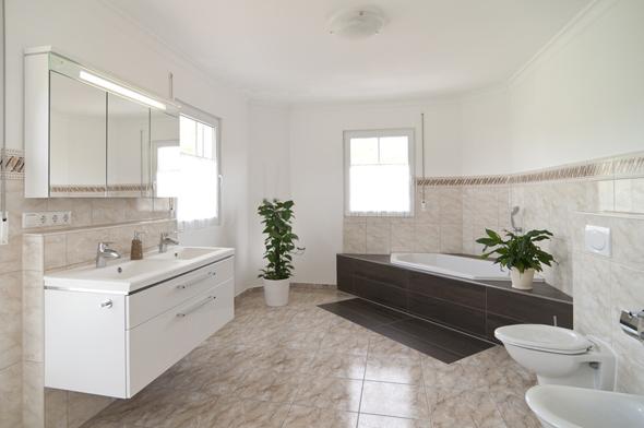 Badezimmer ideen neue ideen f r ein modernes bad for Einfach design badezimmer