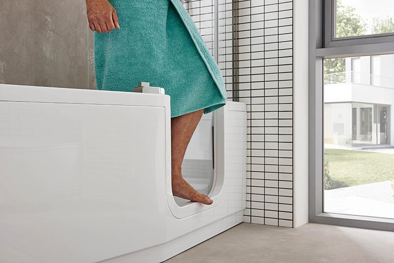 Schon heute an morgen denken: mit barrierefreien Badezimmer-Komponenten