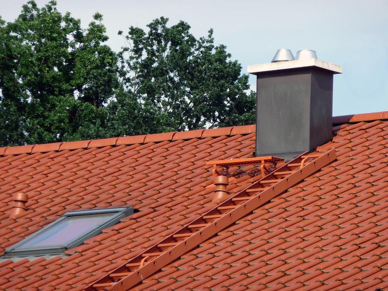 dachleiter bietet sicheren zugang zum dach. Black Bedroom Furniture Sets. Home Design Ideas