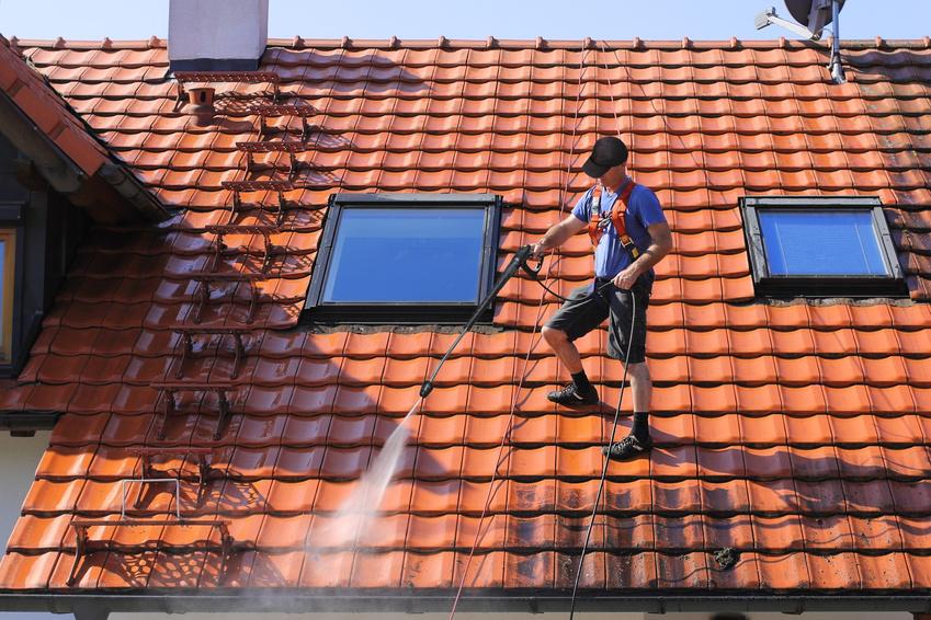dachreinigung dacharbeiten zum schutz des daches. Black Bedroom Furniture Sets. Home Design Ideas