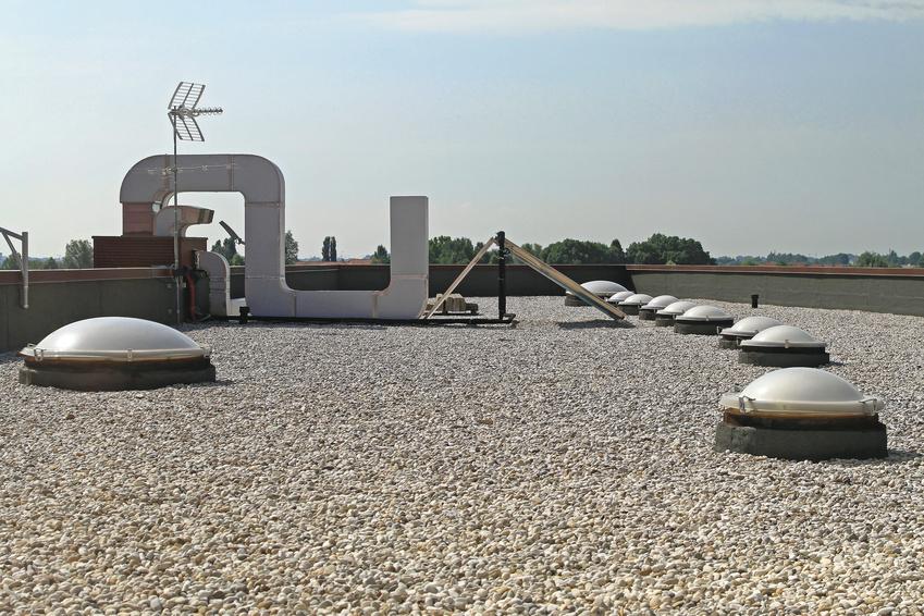 Extrem Flachdach Dacheindeckung: Folie, Bitumen oder Kies GC68