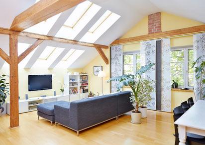 Großzügige Dachbelichtung macht das Dachgeschoss zum Wohntraum