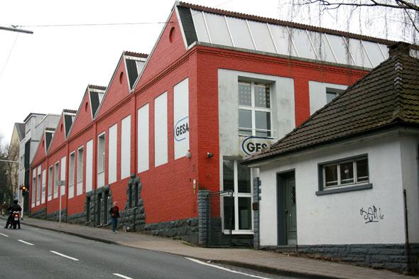 Ehemalige Reißverschlussfabrik in Wuppertal mit Sheddach