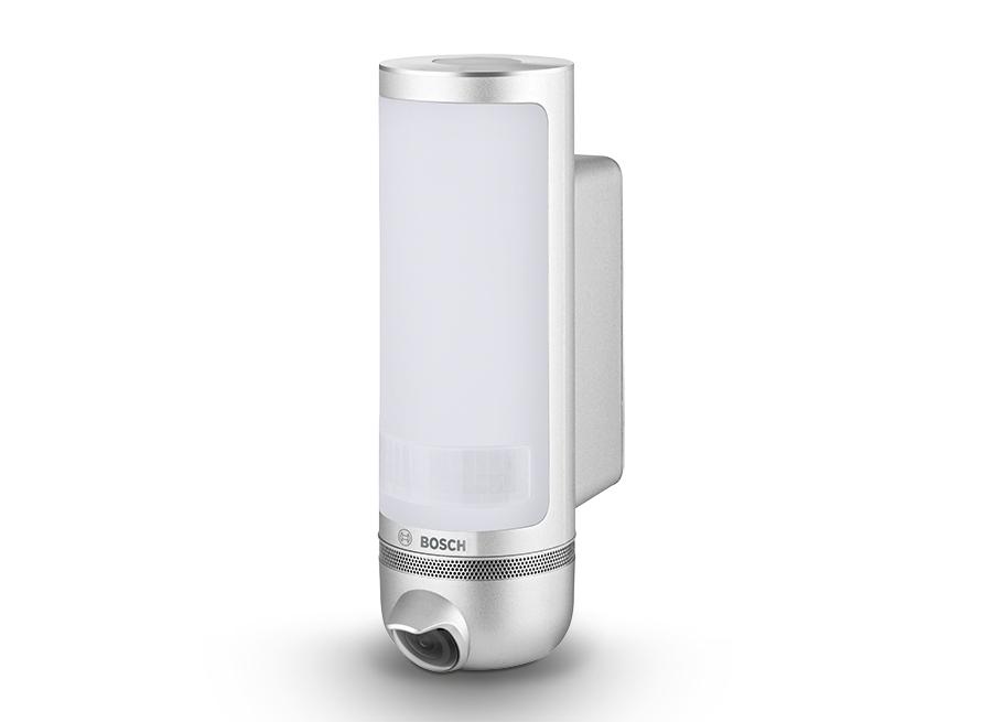 Formschön und dezent: die 360° Außenkamera im Bosch Smart Home System.