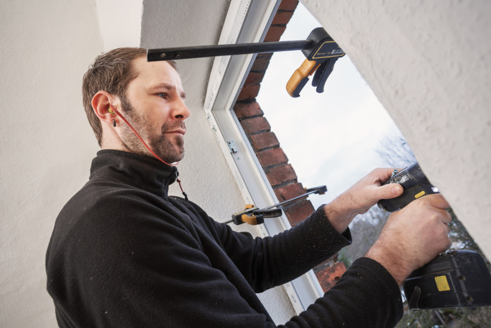 Gut vorbereitet können Handwerksbetriebe auch in Corona Zeiten EInbauten durchführen