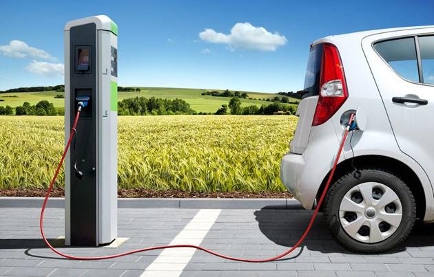 Diferentes-lugares-para-recargar-coche-electrico