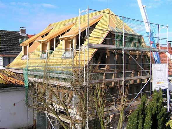 Sanierungsarbeiten an einem Fachwerkhaus