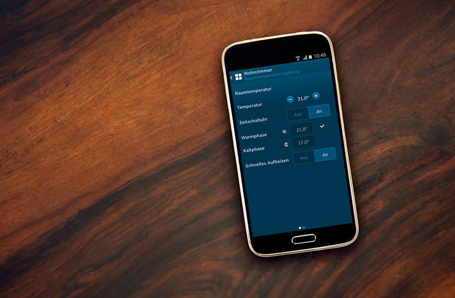 Mit der Bosch Smart Home App für Android und iOS lässt sich die Heizung punktgenau steuern.