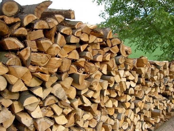 brennholz lieferung brennholz hackschnitzel bestellen. Black Bedroom Furniture Sets. Home Design Ideas