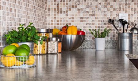 Küchen Arbeitsplatte in Natursteinoptik