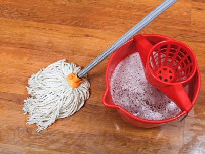 Fußboden Wischen ~ Laminat wischen putzen tipps für die alltägliche pflege
