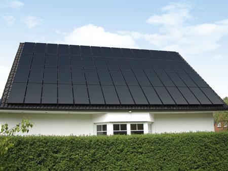 Avancis Solar Module auf einem Einfamilienhaus