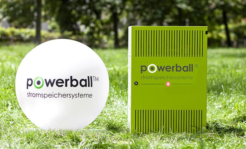 Der alte und der neue Powerball Stromspeicher nebeneinander