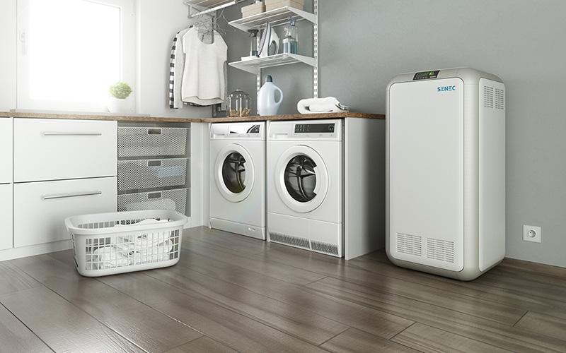 Der SENEC.Home Stromspeicher benötigt in etwa den Platz einer Waschmaschine.