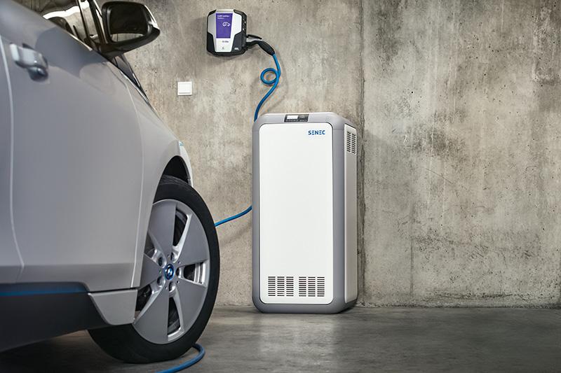 Mit dem SENEC.Home Stromspeicher lässt sich eine Wallbox zum Beladen von Elektroautos ansteuern.