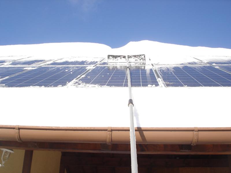 Schneeentfernung bei der Anlage High-Light mit Triuso Schneeräumer