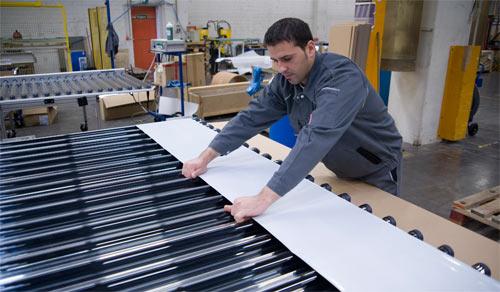 Solarkollektor Preis - Fertigung von Röhrenkollektoren