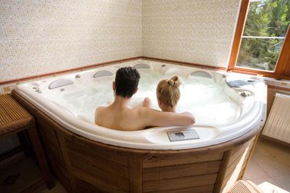 Whirlpool indoor rund  Whirlpool innen - Indoor Whirlpool garantiert Entspannung & Erholung