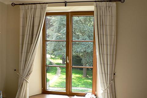 Gordjinen aan venster